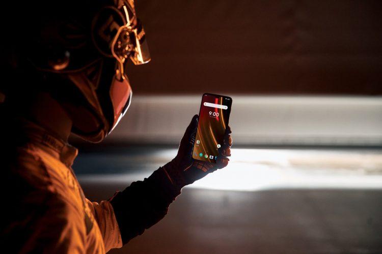 OnePlus-6T-McLaren-Edition-phone